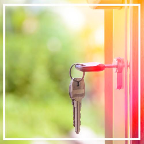 Keys-in-the-door-of-new-home